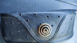 🇨🇦 St John sunglasses case ostrich leather